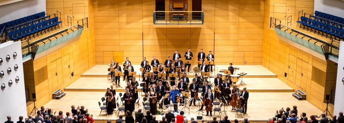 Sinfonieorchester Polish Art Philharmonic spielt Neujahrskonzert Best of Classic